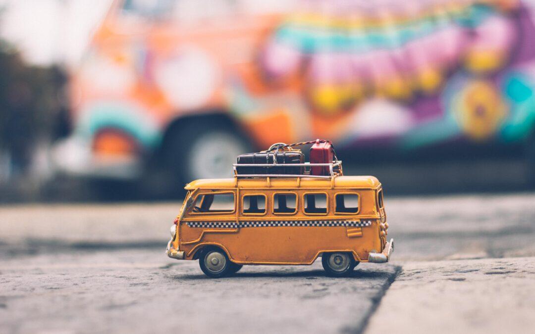 Ab in den Urlaub – lustige Reisespiele fürs Auto
